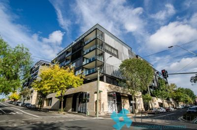 STYLISH EXECUTIVE ONE BEDROOM IN THE LANDMARK 'DOMINION' COMPLEX