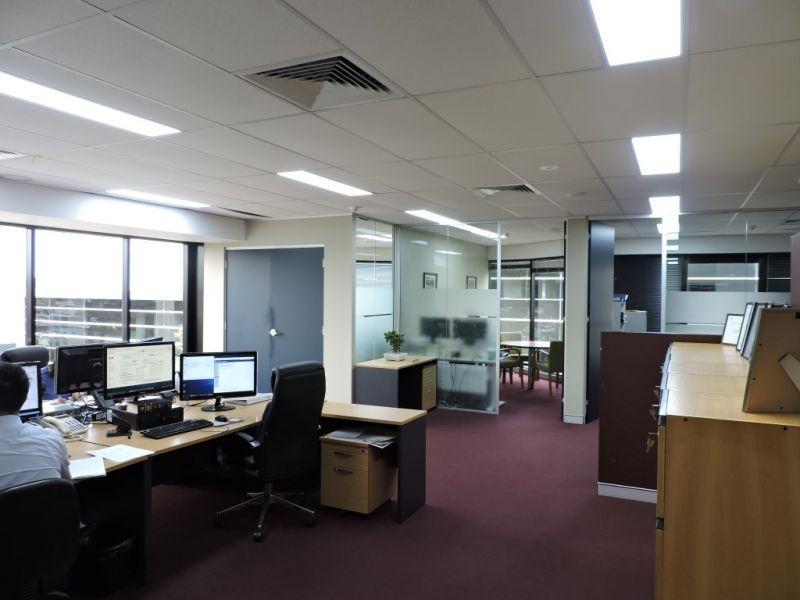 PROFESSIONAL OFFICE SPACE OVER LOOKING GARIGAL NATIONAL PARK
