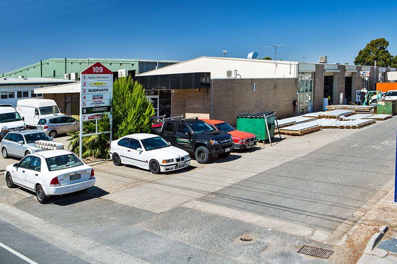 Main Road Office Showroom Warehouse of 376sqm