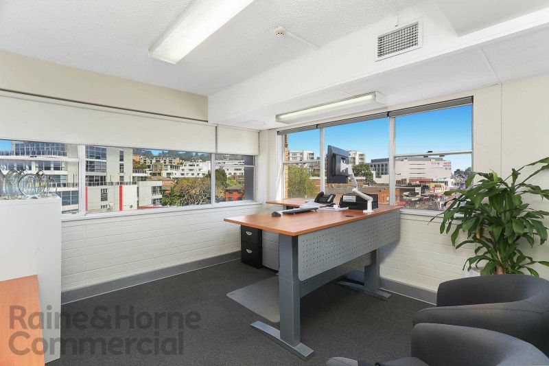 Light and Bright Office in the Centre of Dee Why