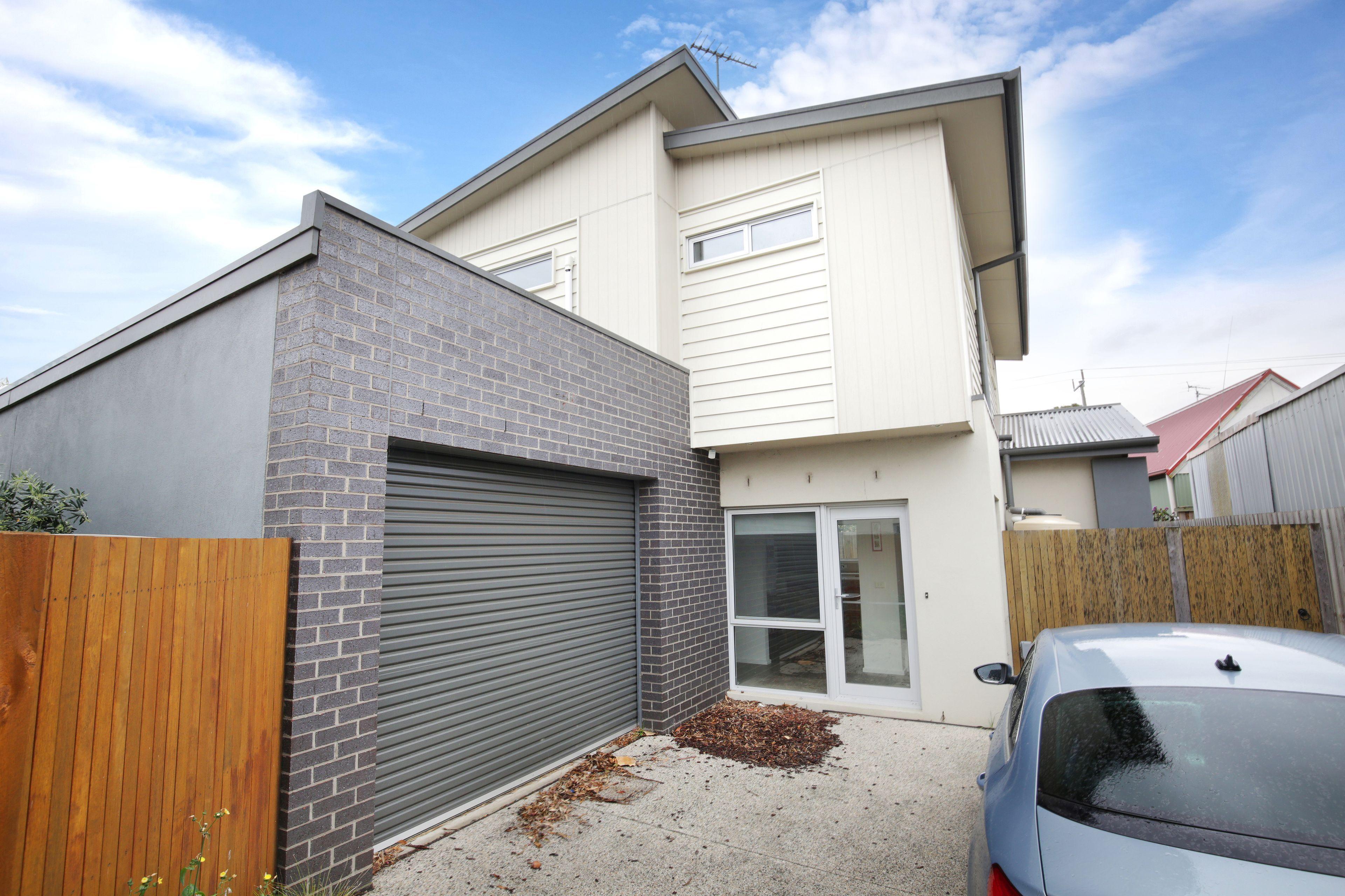 2/27 Richmond Crescent, Geelong VIC 3220