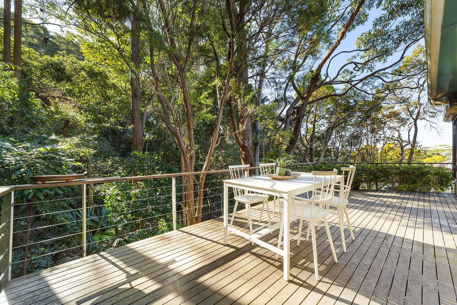 2 Balfour Road, Austinmer NSW