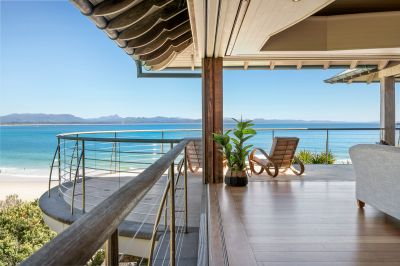 Incomparable property enjoying dazzling ocean panoramas.