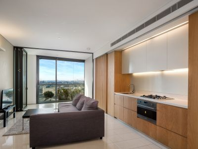 Stylish and immacultely presented modern apartment