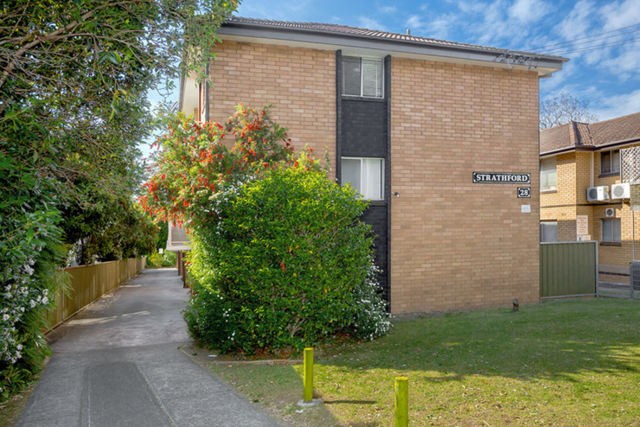 8/28 Hampstead Road, Homebush West