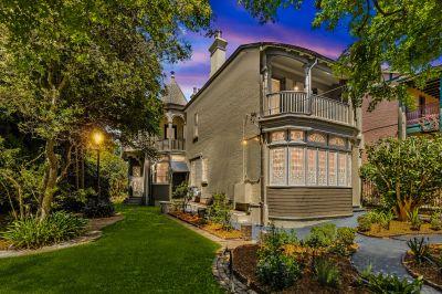 An Awe-Inspiring Home in Premier Precinct