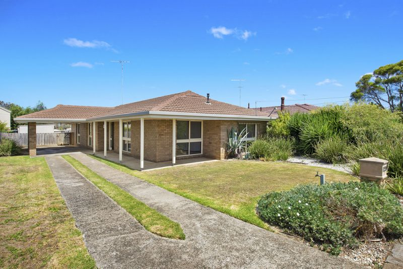 7 Finchfield Lane, Belmont