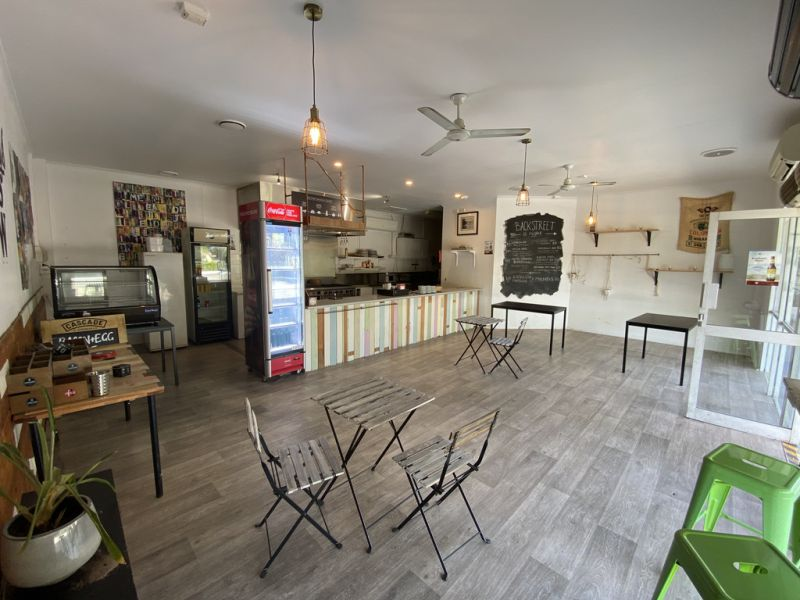 Fully Fitted-Out Restaurant/Cafe For Lease in Convenient Location