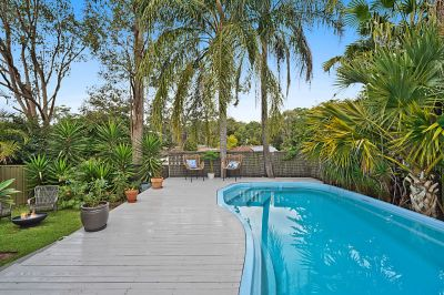 Stunning family oasis - perfect location!