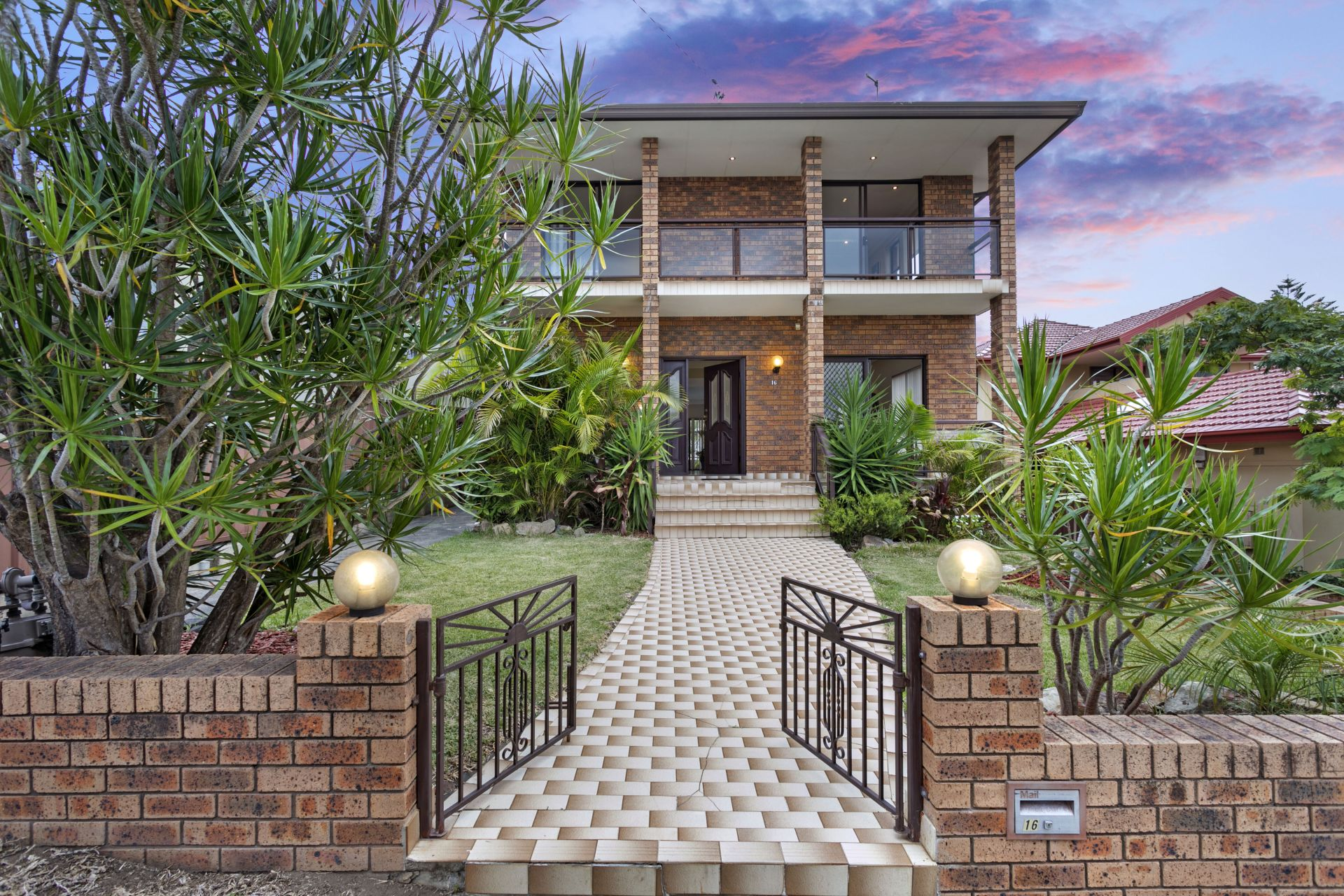 16 Mooney Avenue, Earlwood