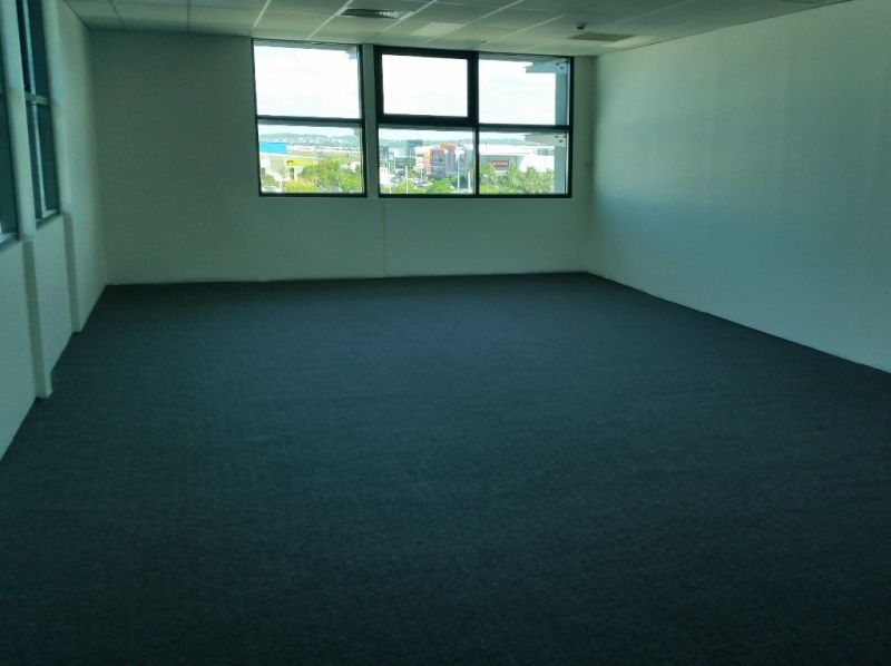 60sqm Modern Air-Conditioned Office - Near New Hospital Precinct