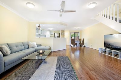 279/125 Hansford Road, Coombabah