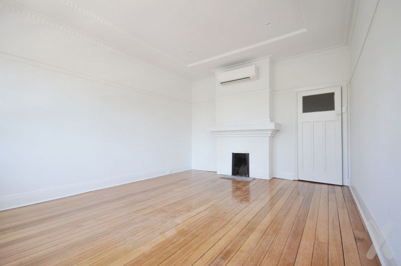 PRIVATE INSPECTION AVAILABLE - One Bedroom Art Deco Apartment!