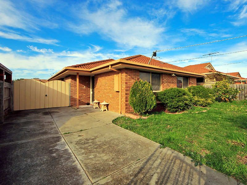 Extremely ow Maintenance family home in quiet court location