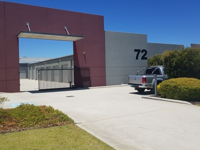 TOP VALUE INDUSTRIAL UNIT.MUST SELL ALL OFFERS PRESENTED OWNER'S INSTRUCTIONS.