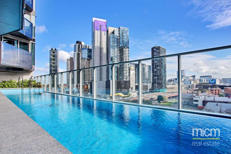 Marco - Brand New 2 bedroom apartment with modern finishes in Prime Southbank Location!
