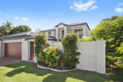 FABULOUS FAMILY HOME IN CENTRAL BLUE CHIP LOCATION