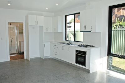*BRAND NEW* - DESIGNER GRANNY-FLAT WITH OWN PRIVATE ENTRANCE!