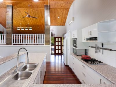 Luxury beach abode - house + adjoining land all together - $520,000