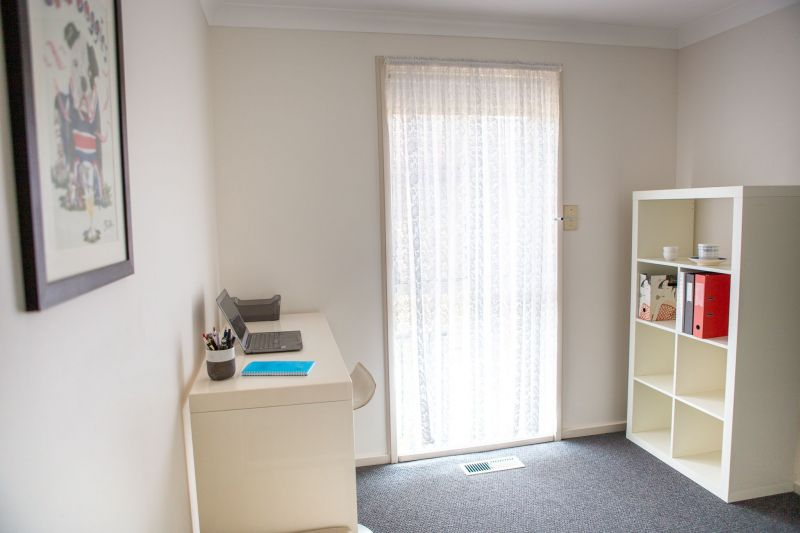 For Sale By Owner: 43 Felstead Avenue, Sunshine West, VIC 3020