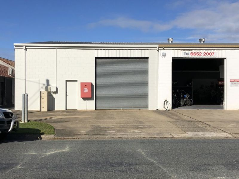 Industrial Unit with great street frontage and office space
