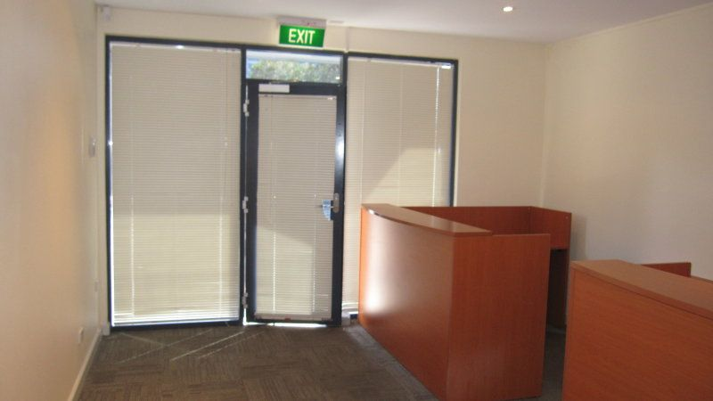 Immaculate Office with Warehouse of 365sqm