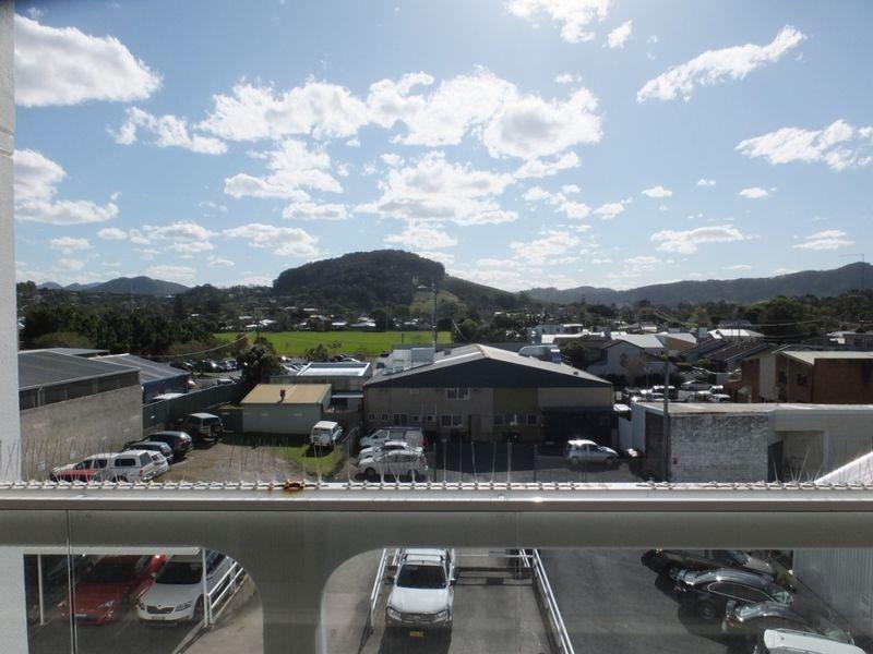 Hinterland and CBD Views - 120m2