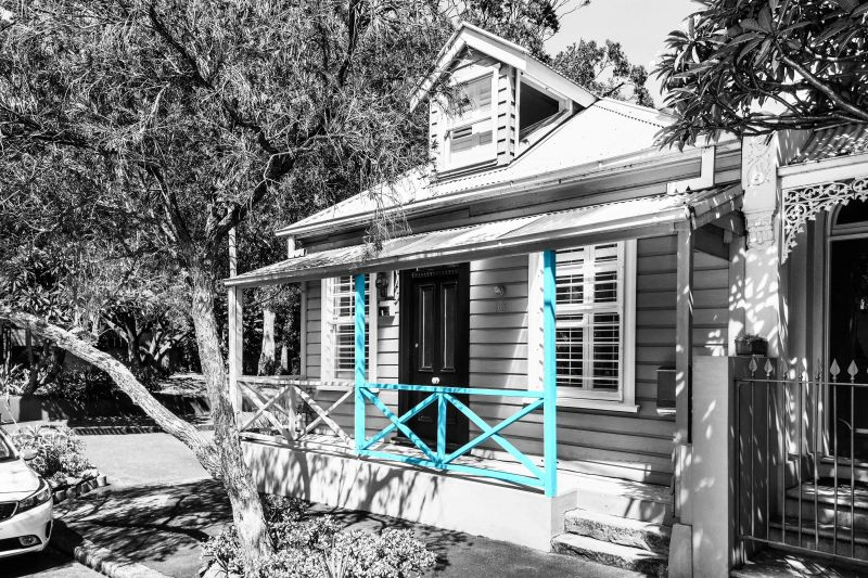 Charming weatherboard cottage in leafy cul-de-sac setting