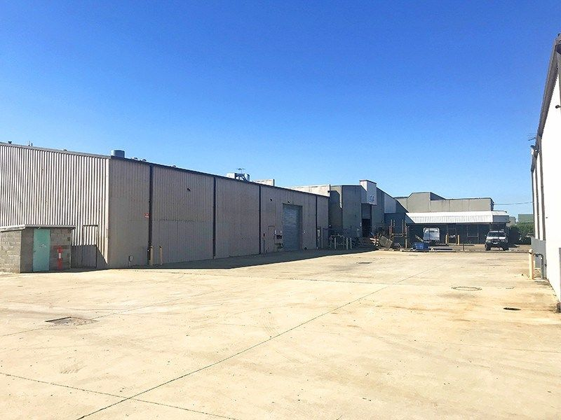 750M2 WAREHOUSE TO OCCUPY OR AVAILABLE WITH STORAGE BUSINESS TO B