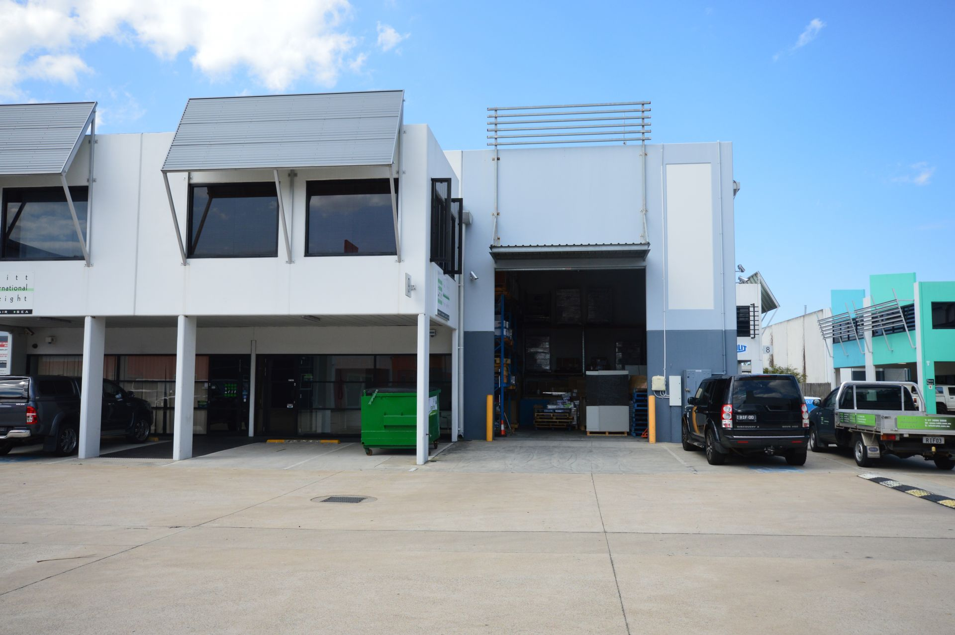 Modern Eagle Farm Unit – Occupy or Invest