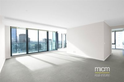 Southbank One: 31st Floor - Indulge in Southbank Living!