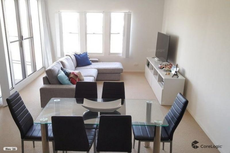 2 bed PLUS STUDY PENTHOUSE APARTMENT - A STONES THROW FROM CHERMSIDE WESTFIELD