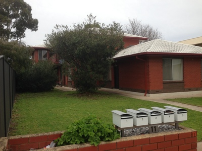 Modernised 2 Bedroom, Upstairs Unit In A Small, Quiet, Well Maintained Group Of Five