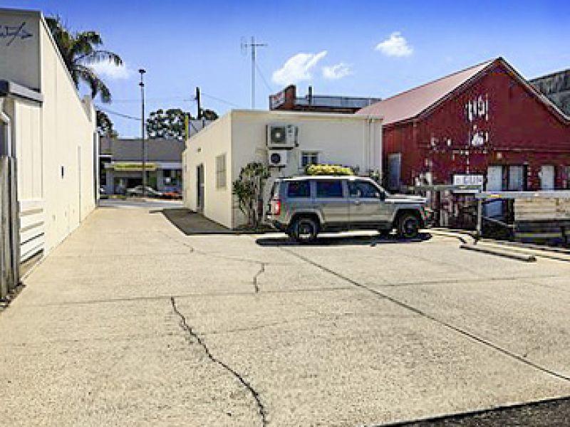 Freestanding Retail Shop + Warehouse on 506m2 Land   Nambour CBD