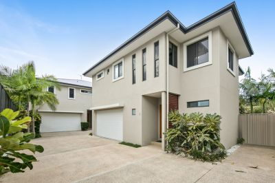 ULTIMATE INVESTMENT  MODERN SOUTHPORT TOWNHOME