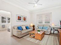 Stylish Art Deco Apartment in the Heart of Double Bay!