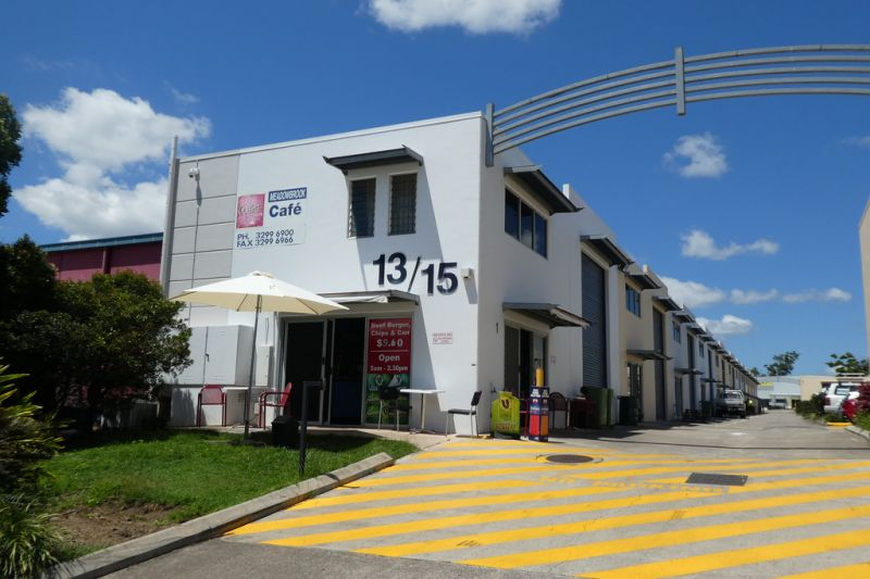 82m2* Workshop / Warehouse Unit