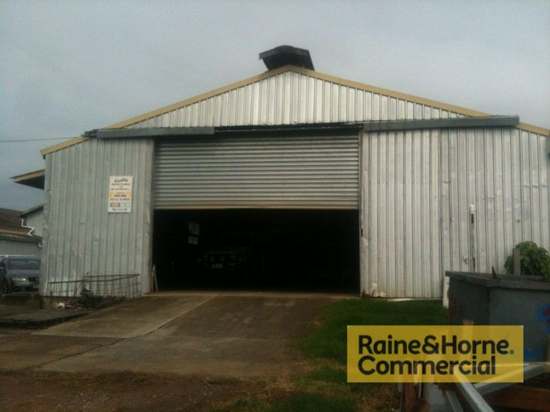 Smaller Warehouse - Cheap Rent