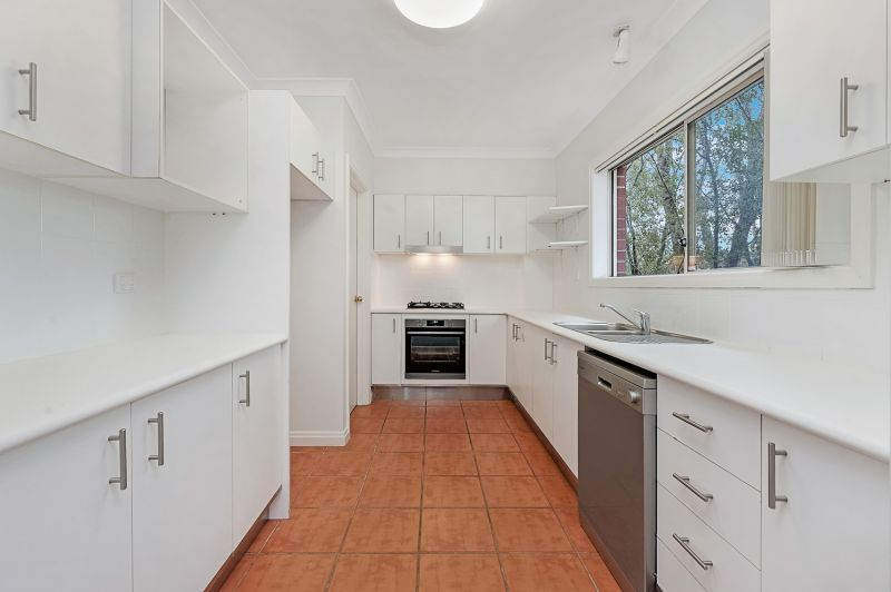 Spacious 2 Bedroom Apartment in Great Location