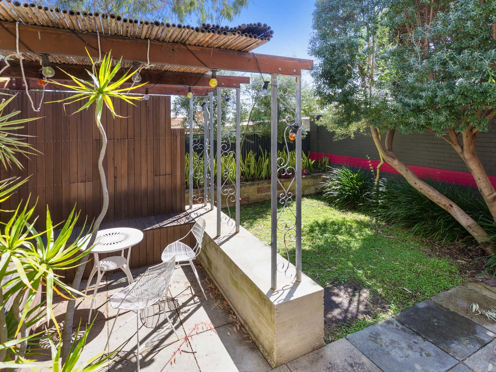 2/83 South Street, Beaconsfield
