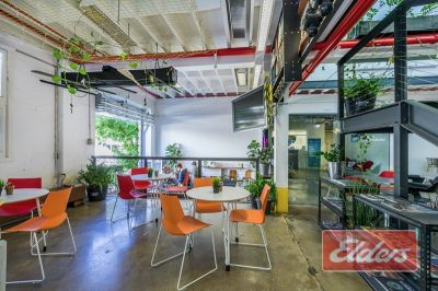 EXTREMELY RARE 27M2 SPACE IN LONDON OFFICES!!!