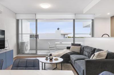 Quality sub penthouse apartment with district views