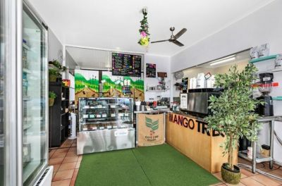 FRESHLY RENOVATED CAFE OPPORTUNITY!