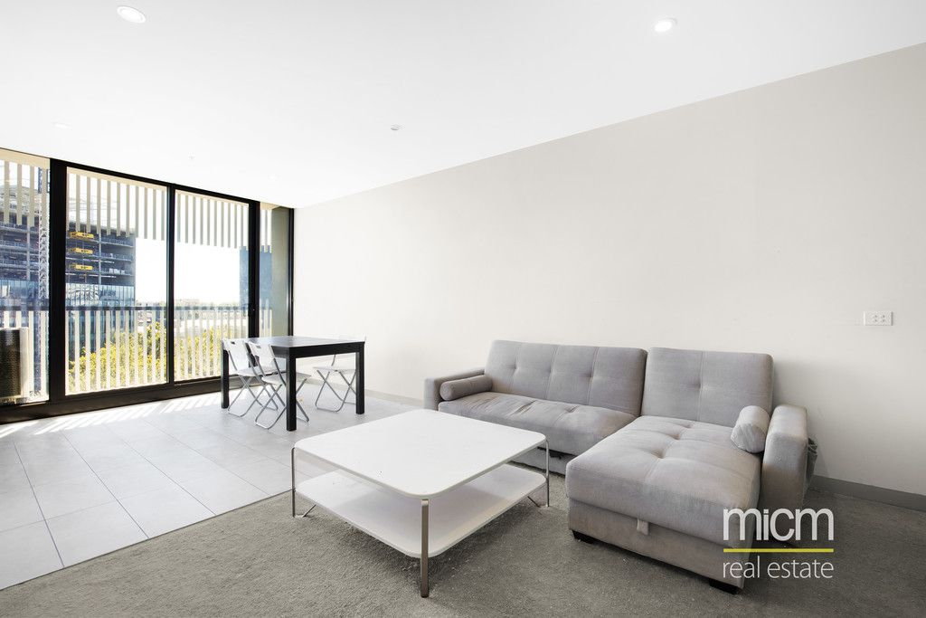 Modern Carlton Retreat - Only a Short Walk to the Market!