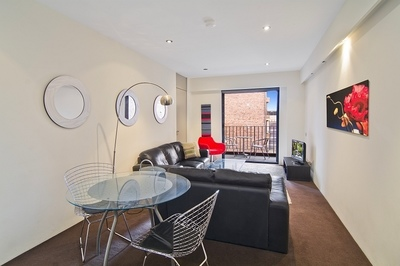 Stylish Apartment in Ultra-Convenient Locale