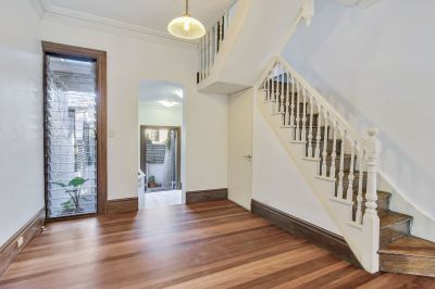 Victorian Styled Gem in Bustling Locale