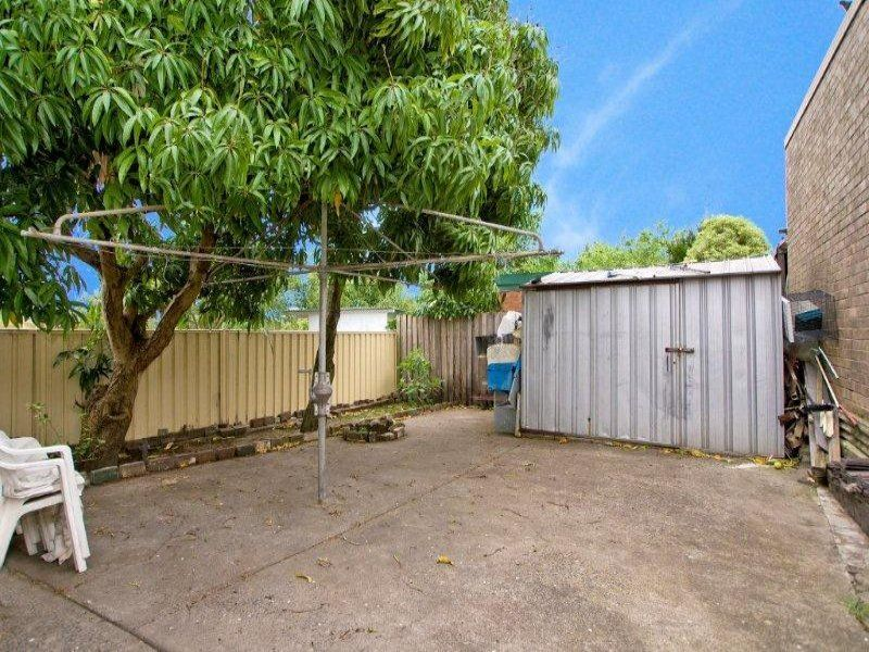 76 Warren Rd, Marrickville