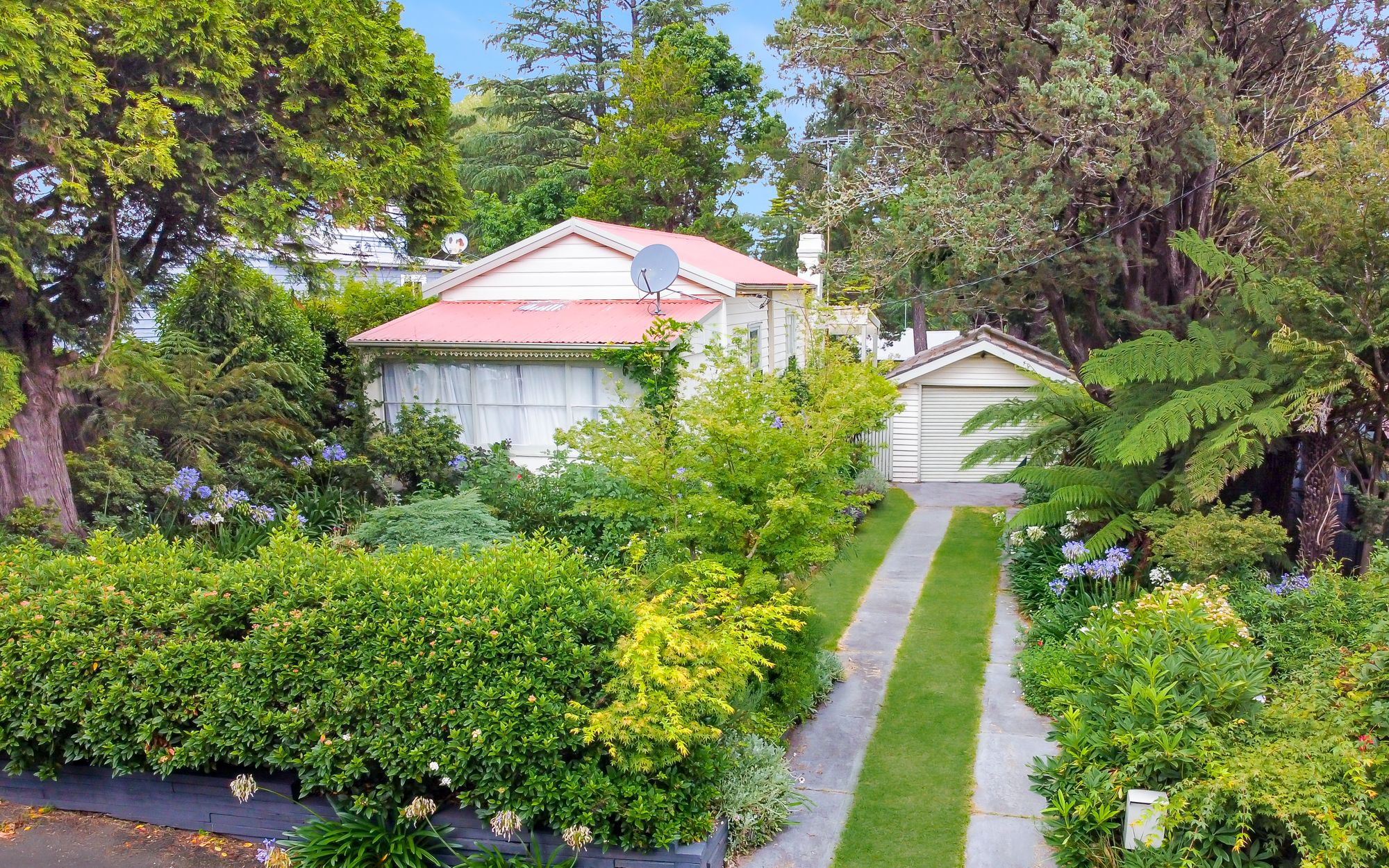 11 Pine Street Katoomba 2780