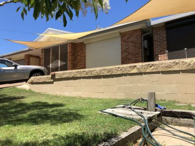 4 Bedrooms, 2 Garages Home for Sale  650 mt to Beach