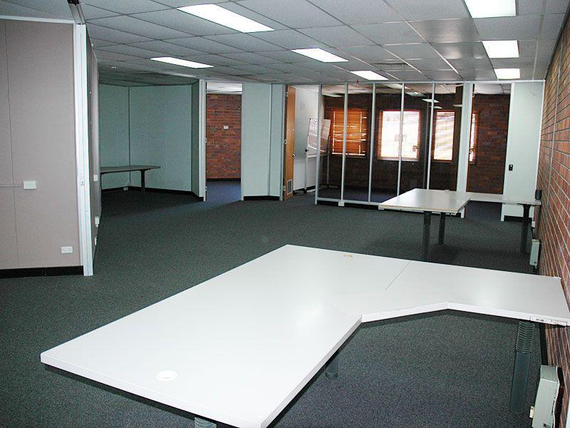 CBD Professional Office - 82 Bourbong St
